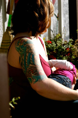 tattoos-piercing-and-breastfeeding